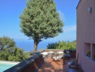 Casa con piscina, vista mare vicino Cefalu e Castelbuono e spiaggia a 10 minuti