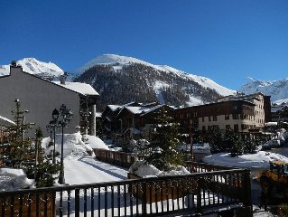 Self Catering Ski Flat Centrally Located With Views Of The Slopes