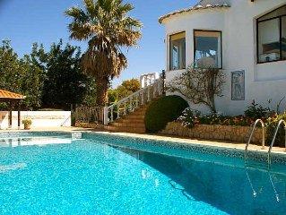 Casa Vista Montanha, Luxury Villa, Pool, Mountain Views, Stunning Countryside.