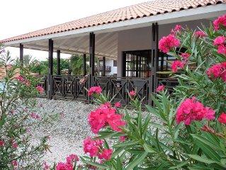 Blue Bay riante 6 persoons villa op 200m van het mooiste strand van Curacao