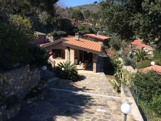 Private single house on the hills over Diano Marina - with 3 car spaces and yard