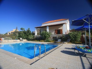 Villa for 6 to 12 people. From £695 pw. Near Almy