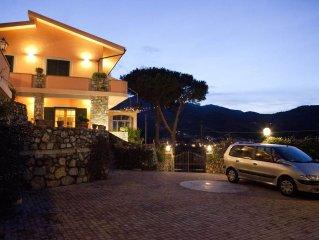 porzione indipendente di Villa con vista panoramica mozzafiato mare/monti