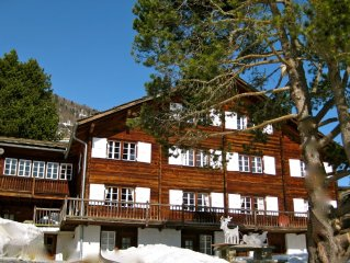 Luxury 190m2 ski apartment in famous Carl Zuchmayer's Saas Fee chalet