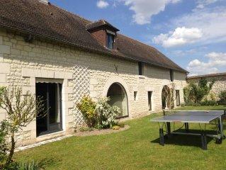 Authentique Longère avec grand jardin et piscine près de Chinon