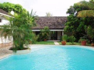 House / Villa - St Giilles les bains