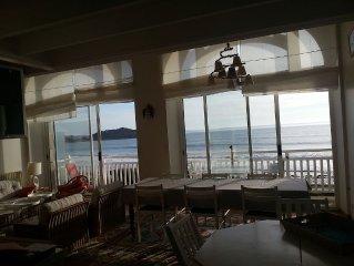Les pieds dans l'eau. Acces direct plage. Grand appartement avec vue a 180°.Wifi