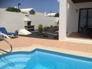 Villa with Private Electric / Solar Panel Heated Pool, Wi-fi in Playa Blanca