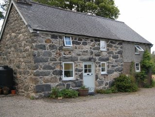 Secluded Cottage Walking Distance From Bala High Street, Bala Lake, Golf Course