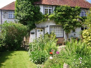 Spacious & Comfortable Cottage-type Accommodation in heart of Cowbeech village