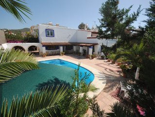 Beautiful four bedroom family Villa - DATES AVAILABLE 9-16 SEPTEMBER