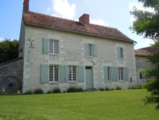Walled farmhouse located in the Loire Valley ideal for families and pet friendly