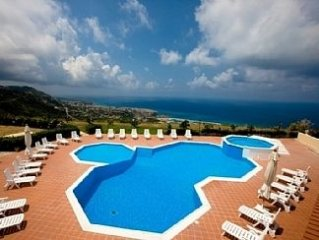 Relaxing holiday apartment with Pool and Jacuzzi - amazing views