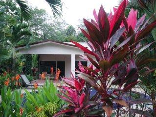 Charmante maison deux chambres avec piscine privative dans jardin tropical