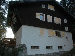 Spacious rustic chalet in Argentiere village with spectacular views & ski in