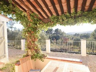 Idyllic, pastoral get-away on 8700m2, enjoy garrigue from the poolside