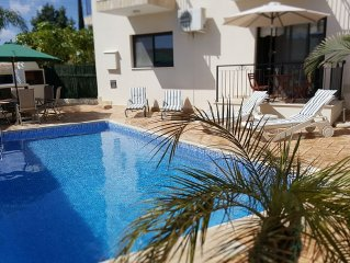 Superb quiet & peaceful hillside location with immaculate private pool