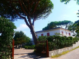 Villa at 50 meters from the sea, near the Gulf of Gaeta