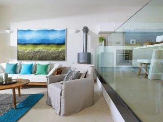Alluring Greek Villa offering captivating sea views