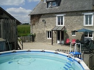 Beautiful stone Farmhouse With Swimming Pool In Quiet Country Local available Au