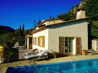 Outstanding Provencal Villa with Spectacular Views Available All Year
