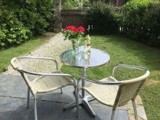 Luxury Barn Conversion. Pets Welcome. Enclosed Garden, Detached, Romantic & Cosy