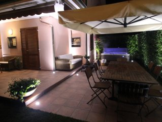 Villa with Garden and JACUZZI 800 meters from the Sea Cinquale - Forte dei Marm