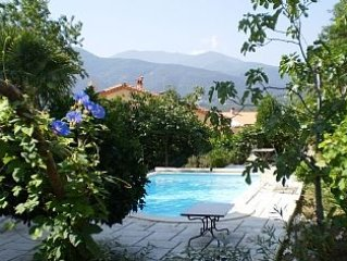 4 bedroom Villa With Large Private Pool In Spacio