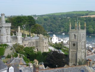 Fowey Cornwall - lovely modern house with balconies and fantastic views