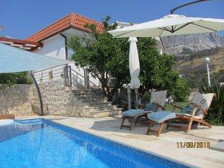 Peaceful Nice Villa, Near Beach, Private Pool, Sea View, Family Friendly