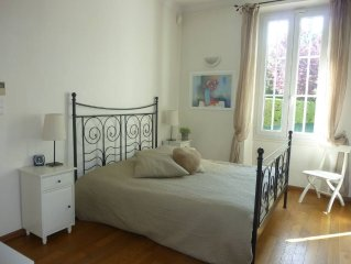 Beautiful Provencal house with garden and access to Congress as 5 minutes to Ca