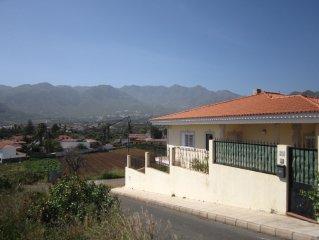 Vivienda vacacional de 3 habitaciones y con vistas a la montana.