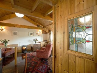 Cosy Cottage. Log Stove, Private Walled Garden, Coastal Walking From The Door.