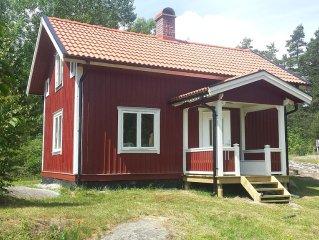 Sommarhus i Åmmeberg vid Vättern med härlig naturmiljö för paddling och vandring