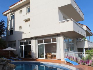 Villa espectacular frente al mar con piscina privada