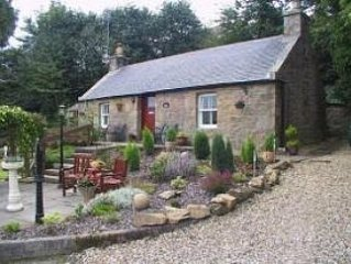 Pitmedden Bothy - Holiday Cottage with Central Heating + Wood Burning Stove