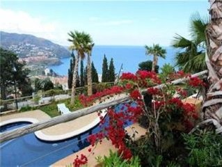 Townhouse with Communal Pools and Tropical Gardens in Almunecar, Costa Tropical