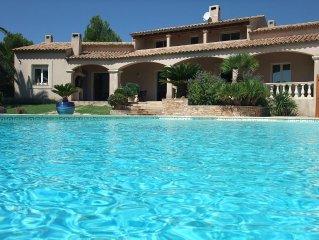 Belle villa provençale vue panoramique au coeur vignoble AOC Bandol - mer à 7km