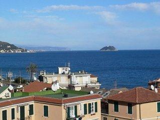 Alloggio Teresia con balconata sul mare.