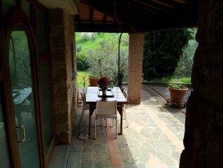Casina sulle colline Toscane, vista panoramica, Carmignano vicino Firenze