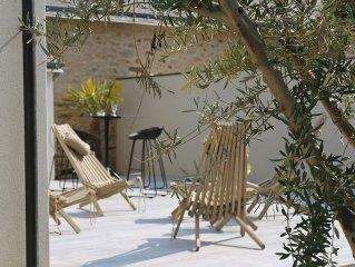 maison 4 pers jardin clos, jacuzzi prive,  terrasse, plages, commerces a 400 m