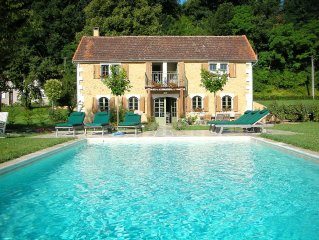 ELEGANT LIVING ON THE TREMOLAT RIVERBANK WITH A SHIMMERING SALT-WATER POOL
