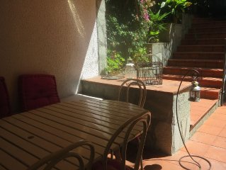 Elegant apt with private garden in a liberty villa in the center of the town