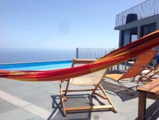 NEW! Villa Clementina | Cliffs & Ocean | Piscina Aquecida