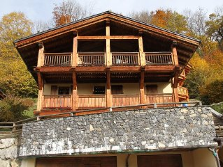 Stunning Modern Chalet with Hot Tub, Wifi,  Games room and optional Catering