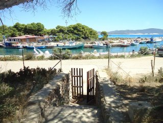 Comfortable villa on the marina 20 meters from th