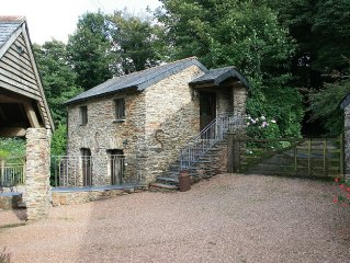 Character Detached Cottage near Dartmouth, 5 Miles From The South Devon Coast
