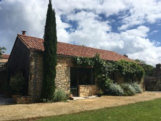 beautifully restored barn with private swimming pool (pet-friendly)