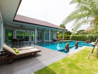Luxury Private Villa & Pool Spa. With Meet & Greet Service