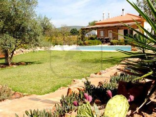 CHARMING 3 BED VILLA WITH PRIVATE POOL, BBQ AND Wi-Fi